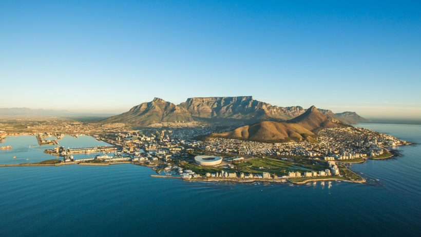 view-of-table-mountain-cape-town-1600x900