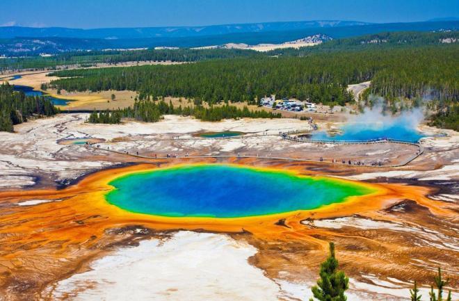 yellowstone-national-park-wyoming-usa.jpg