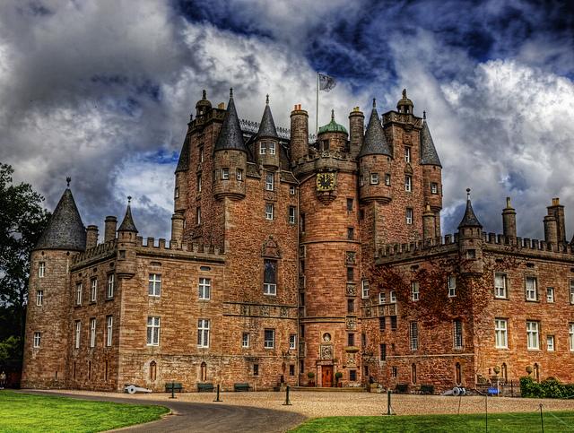 Glamis-Castle.jpg