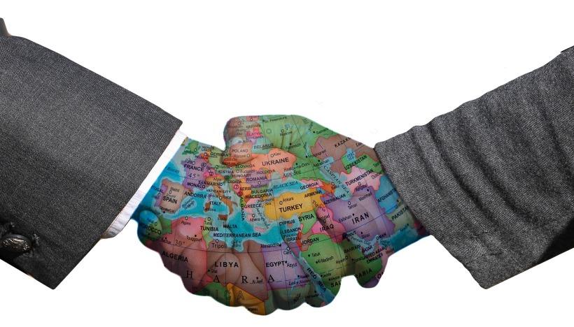 handshake-3205492_1920.jpg