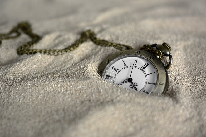 pocket-watch-3156771_1920.jpg